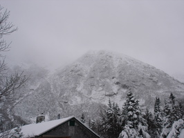 04496_hill_and_cabin