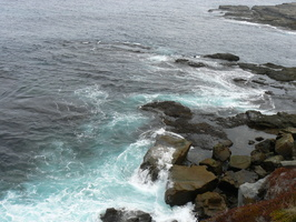 00592_wave_over_rock
