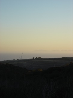 06559_mountains_in_distance
