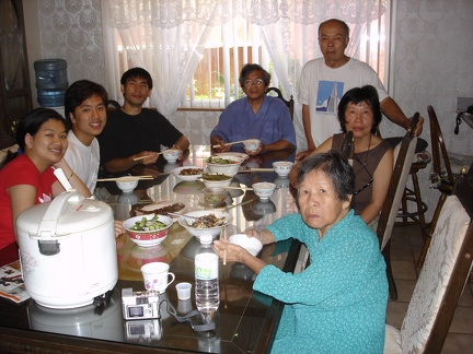 06565_dinner_at_co_hong