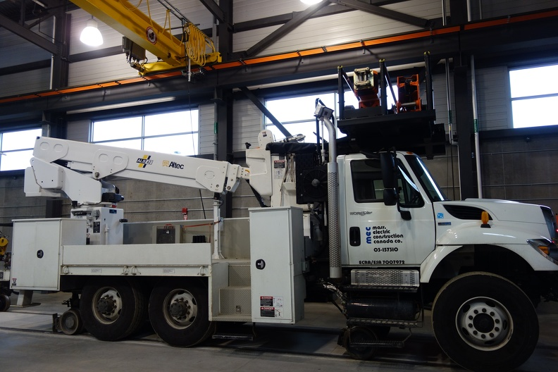03289_cherry_picker.JPG