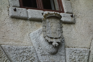 08378 stone coat of arms