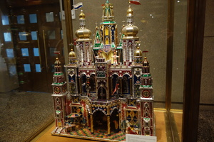 08998 somewhat exaggerated model of krakow church