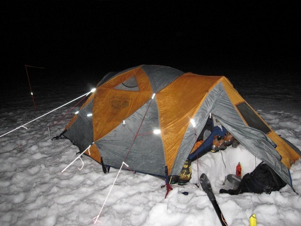 3200b_tent_at_night